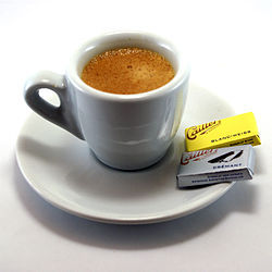 250px-Espresso_and_napolitains.jpg